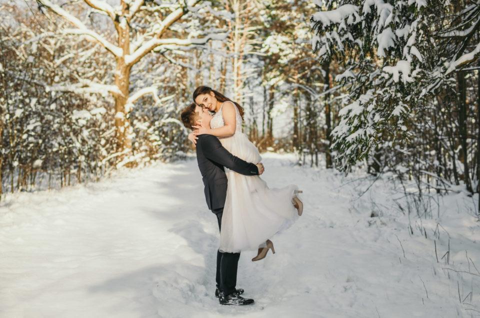 Zimowa sesja ślubna Julii i Mateusza